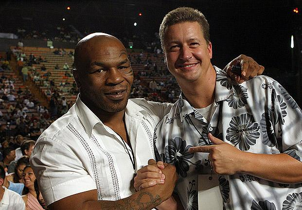 UFC 160 Fighter Bonuses: Mike Tyson Makes the Call for Knockout of the Night