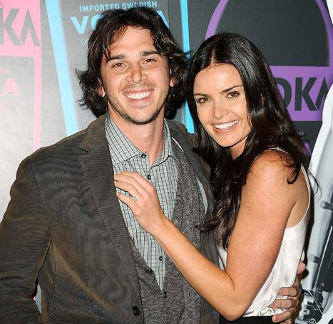 "Ben Flajnik, Courtney Robertson Claim: ""We Love Each Other Very Much"""