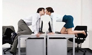 9 Signs You Can Handle An Office Romance