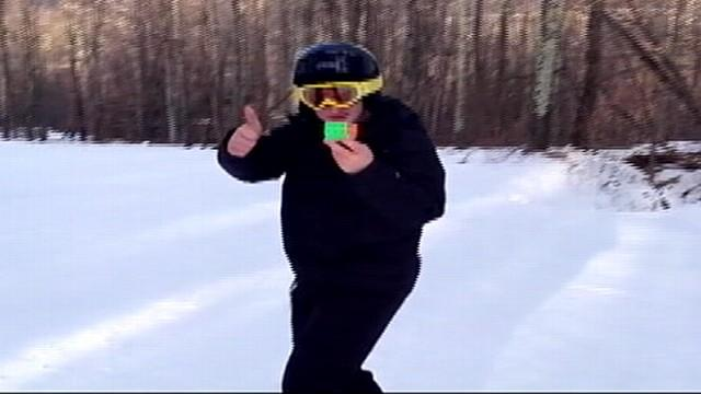 16-Year-Old Solves Rubik's Cube Behind Back While Skiing