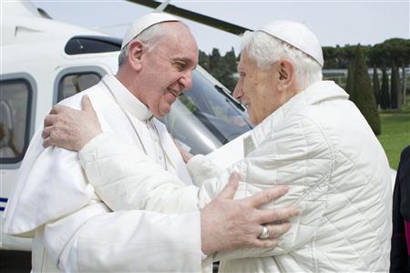 El Papa Emérito recibe al…