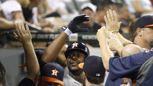 Dominguez, Carter hit HRs in 9th, Astros beat WSox