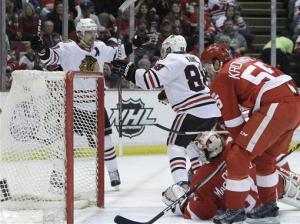 Kane scores winner, Blackhawks beat Red Wings 2-1