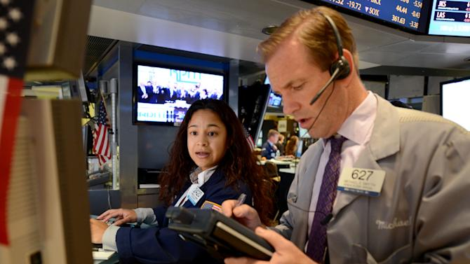 Stocks drop for a 3rd day as earnings slide