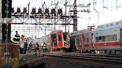 aptrain collision01 mi 130517 wblog Dozens Hurt as Commuter Train Derails, Hits 2nd Train in Connecticut