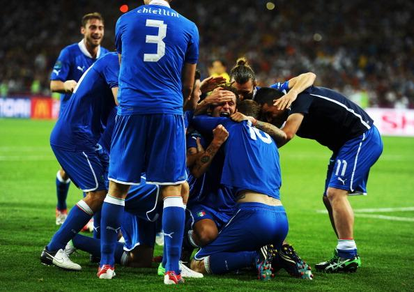 Italy players celebrate victory during the UEFA EURO 2012 quarter final match between England and Italy at The Olympic Stadium on June 24, 2012 in Kiev, Ukraine. (Photo by Laurence Griffiths/Getty Ima