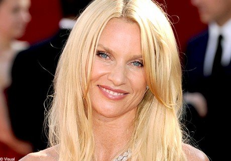 Desperate Housewives : Nicollette Sheridan retire sa plainte