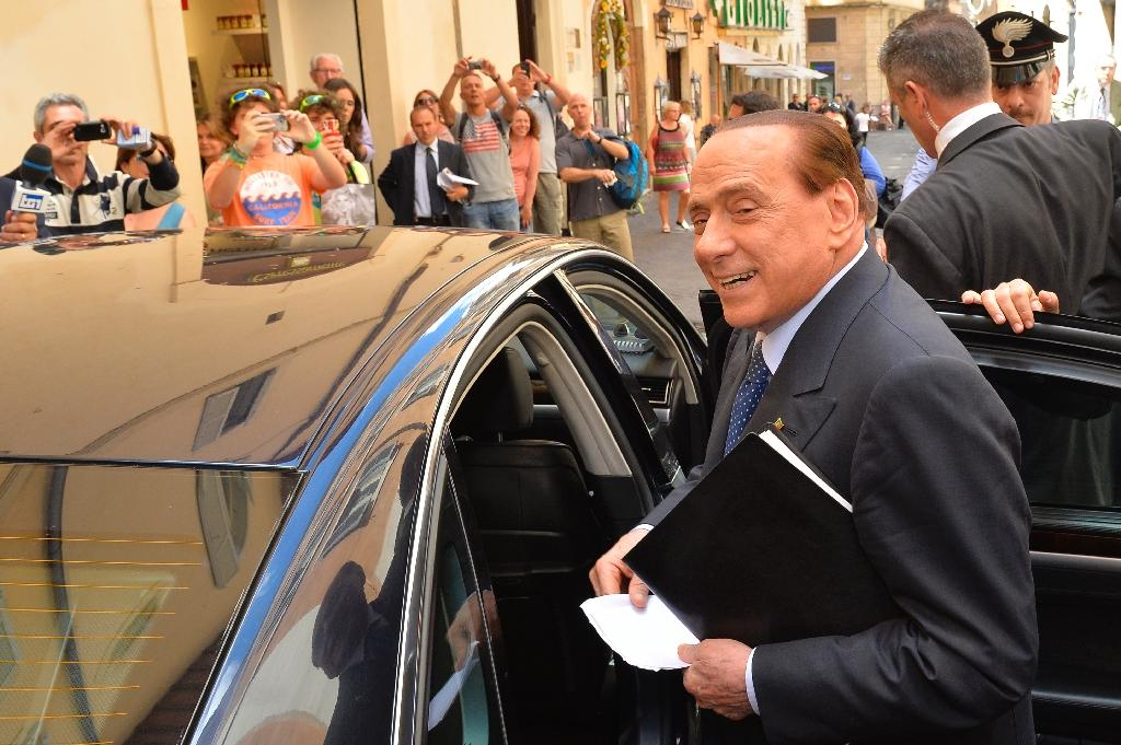 Milan coach Inzaghi avoids wrath of Berlusconi, for now