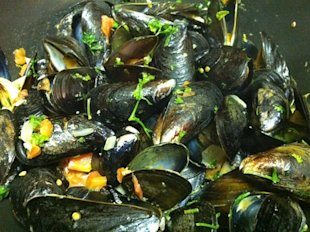 Mussels in Chilean Chardonay