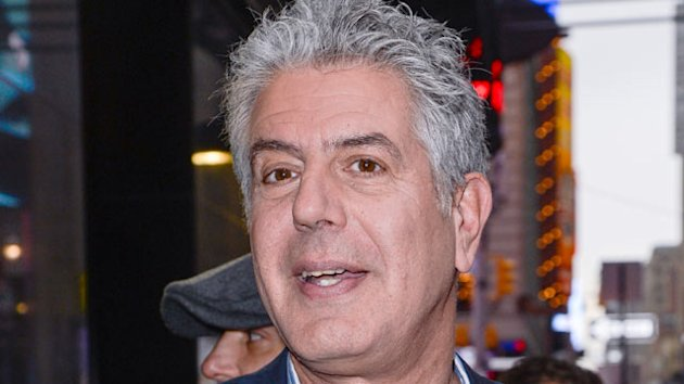 Anthony Bourdain's Twitter Rants Against American Airlines (ABC News)