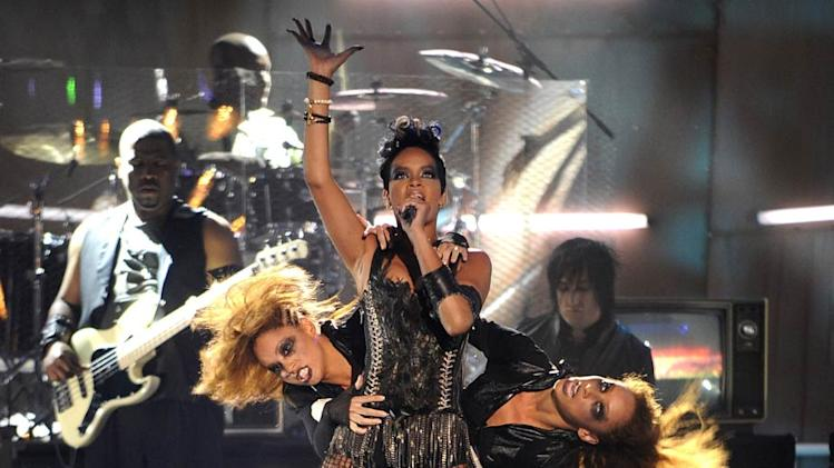 Rihanna performs at the 2008 MTV Video Music Awards.
