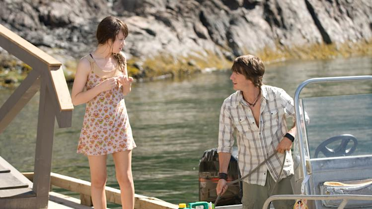 Emily Browning Jesse Moss The Uninvited Production Stills DreamWorks 2009