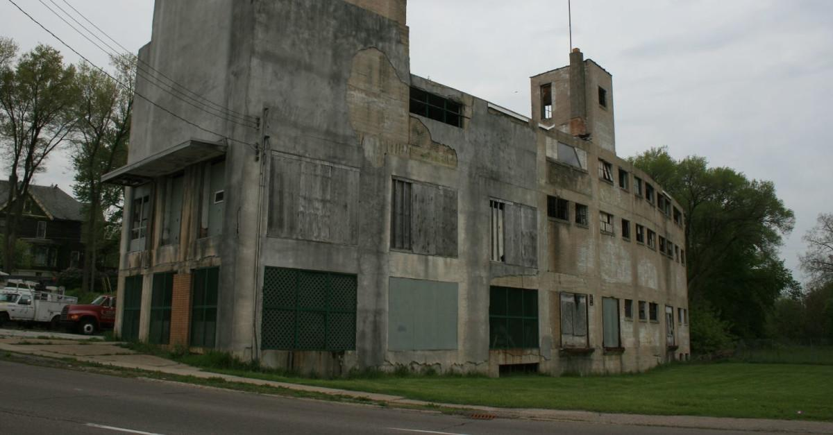 Partially Abandoned Cities for Urban Exploration