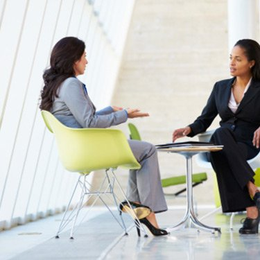 Two-businesswomen-in-meeting_web