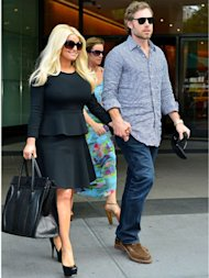 Jessica Simpson reveals 40lbs weight loss, saying 'all the weight did not come out with the baby!'