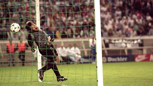1995 Cup Winners' Cup final David Seaman fails to save Nayim's shot