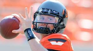 Browns sign QB Weeden