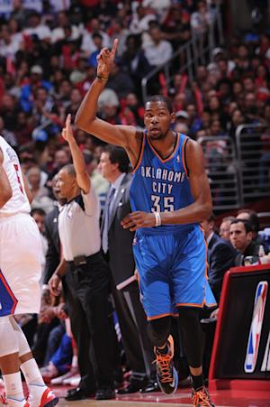 Thunder holds off Clippers to win 108-104