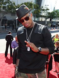 Singer Ne-Yo arrives at the MTV Video Music Awards on Thursday, Sept. 6, 2012, in Los Angeles. (Photo by Matt Sayles/Invision/AP)
