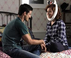 Exclusive Suburgatory Video: Tessa and Ryan — 'Total Opposites,' or Meant to Be?