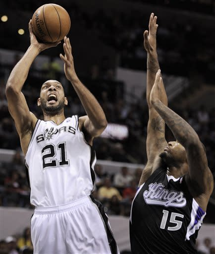 Spurs shake off player losses, beat Kings