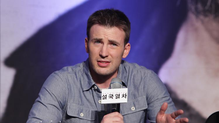 Chris Evans to Make Directorial Debut With Indie '1:30 Train'