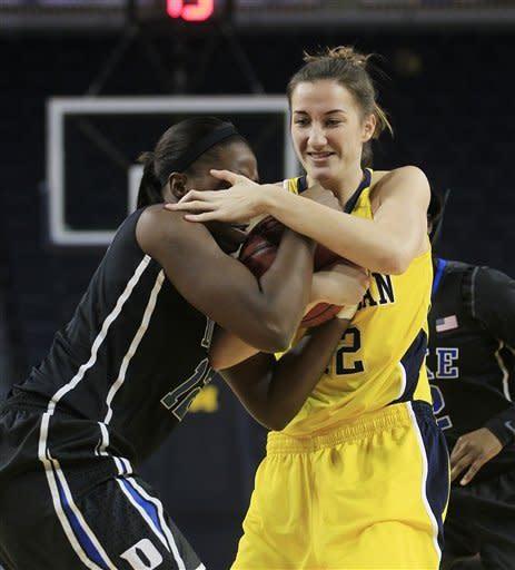 Gray, Williams lead No. 4 Duke women past Michigan