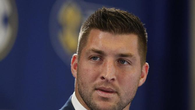 AP Sources: Tim Tebow expected to sign with Eagles on Monday