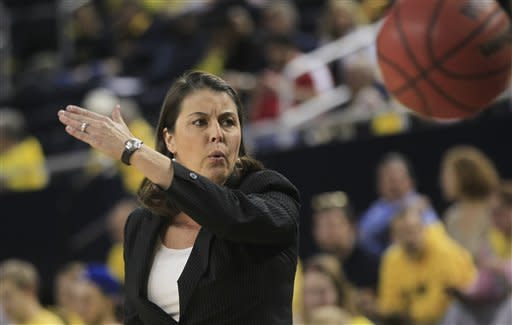 Gray, Williams lead No. 4 Duke women past Michigan
