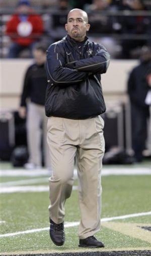 Rodgers leads Vanderbilt to 49-7 rout of UMass