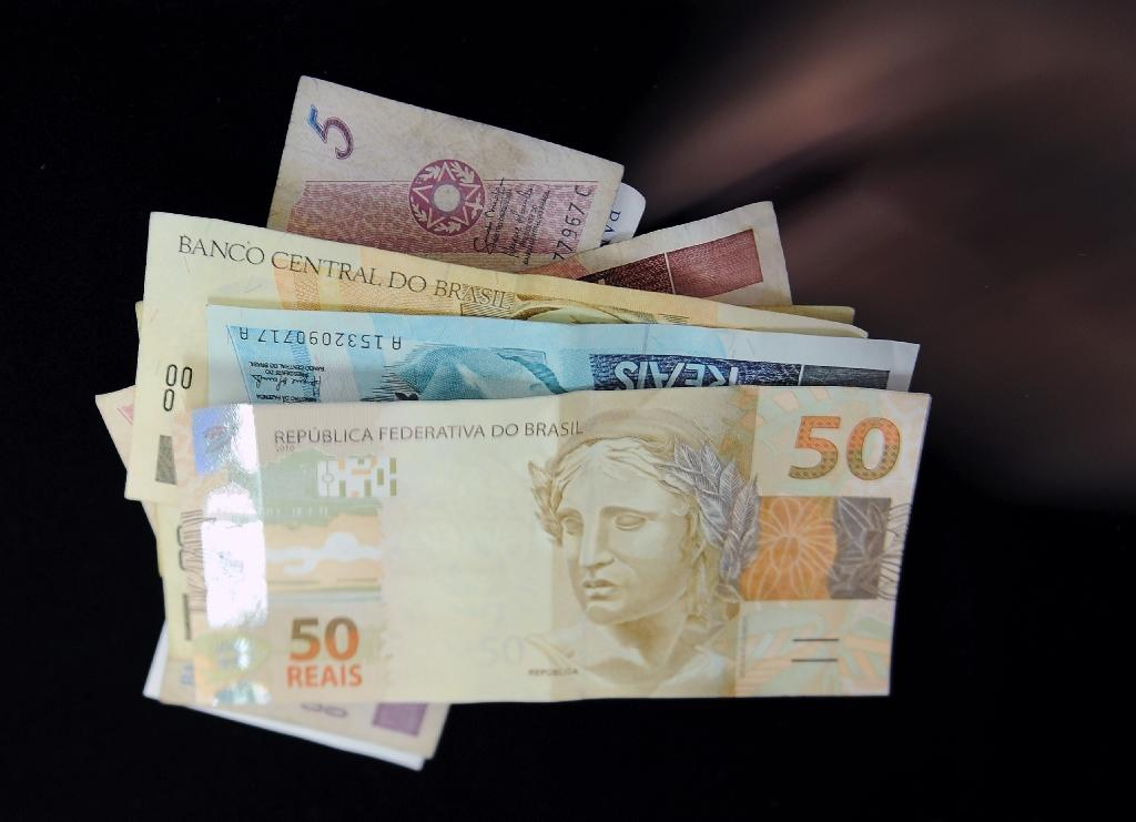 Brazil government budget goes into the red