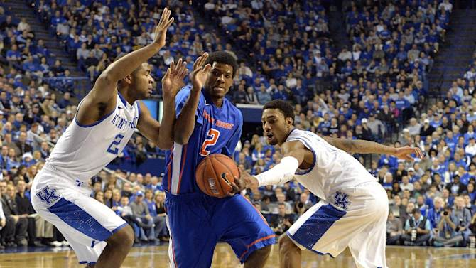 No. 11 Kentucky beats Boise State 70-55