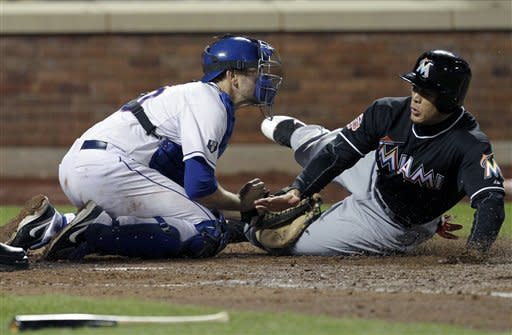 Reyes hitless in NY return, Mets beat Marlins 2-1