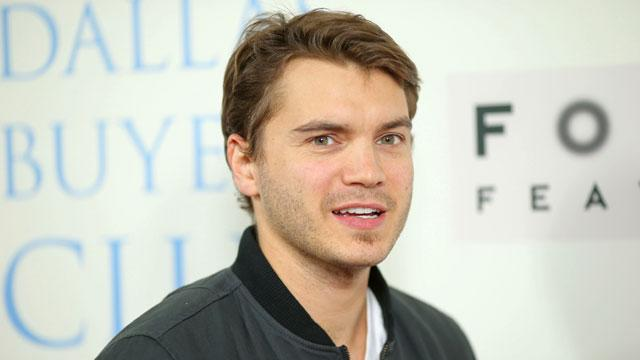 Emile Hirsch Welcomes Baby Boy
