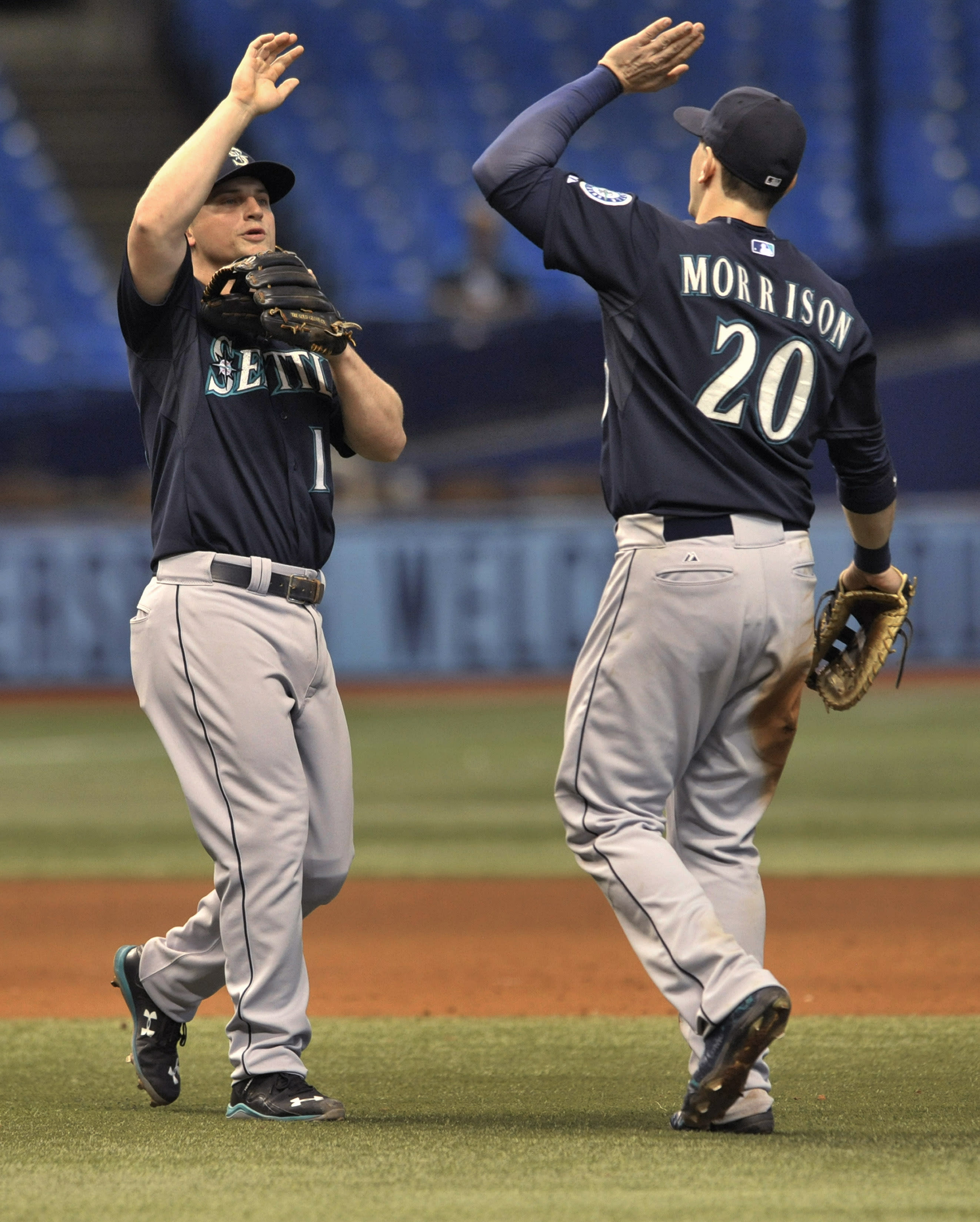 Seager powers Mariners over Rays, 7-6 in 10