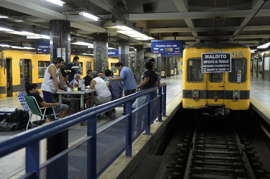 Travel chaos in Argentina as transit unions strike