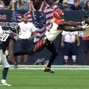 Cincinnati Bengals quarterback Andy Dalton to Mohamed Sanu for 10 yards
