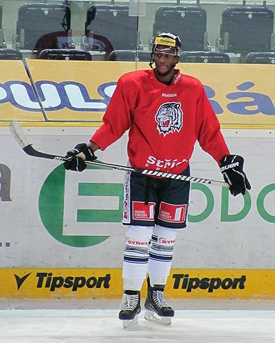Wayne Simmonds during a morning practice with Liberec of the Czech League