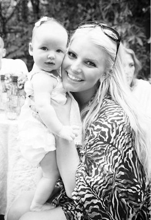 Jessica Simpson, Maxwell
