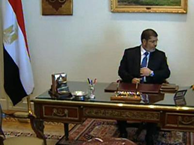 Egypt: President Morsi in Mubarak's old office