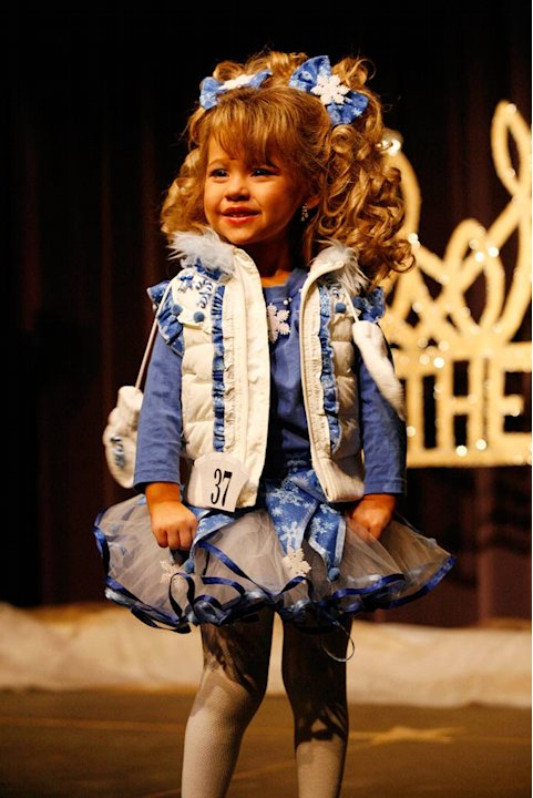 "Daylee competes in the Southern Celebrity Beauty Pageant in Charleston, West Virginia as seen in ""Toddlers & Tiaras."""