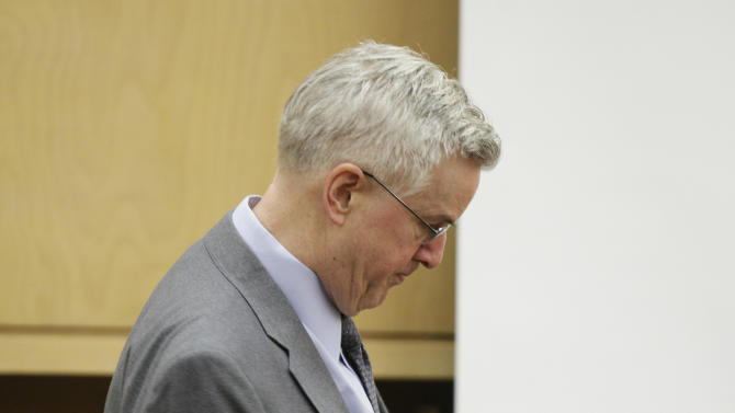 Steve Powell pauses during the day of final arguments in his voyeurism trial, Tuesday, May 15, 2012, in Tacoma, Wash. The trial was sent to the jury Tuesday without a verdict, and deliberations will resume on Wednesday. Powell is the father-in-law of missing Utah mother Susan Powell. (AP Photo/Ted S. Warren)