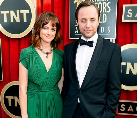 "Vincent Kartheiser on His Engagement to Alexis Bledel: ""I'm a Very Lucky Man"""