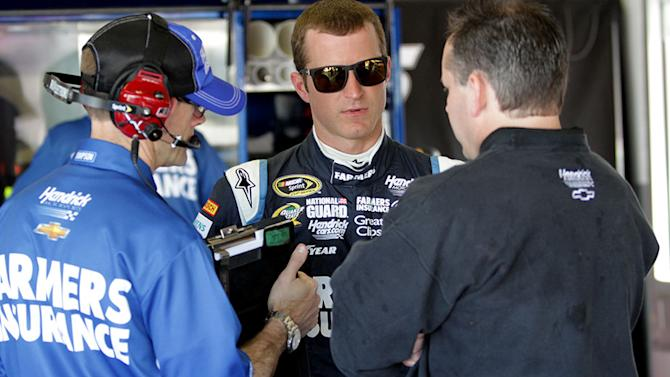 Smith, Kahne tie atop Nationwide practice