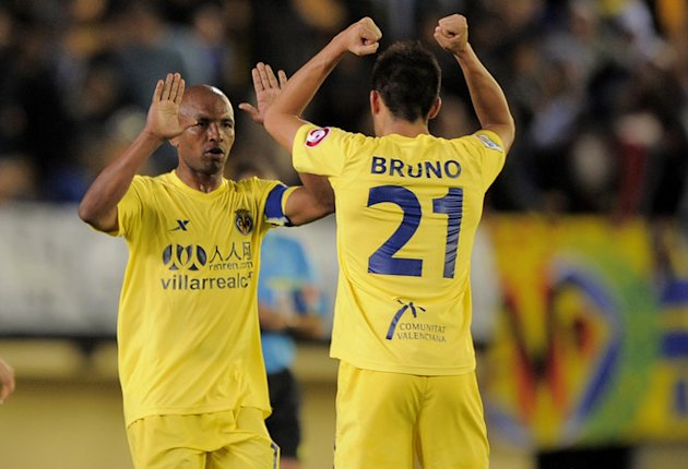 Villarreal's Midfielder Marcos Senna (L) Celebrates AFP/Getty Images
