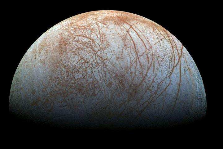 3 facts and 1 big question about Jupiter's icy moon Europa