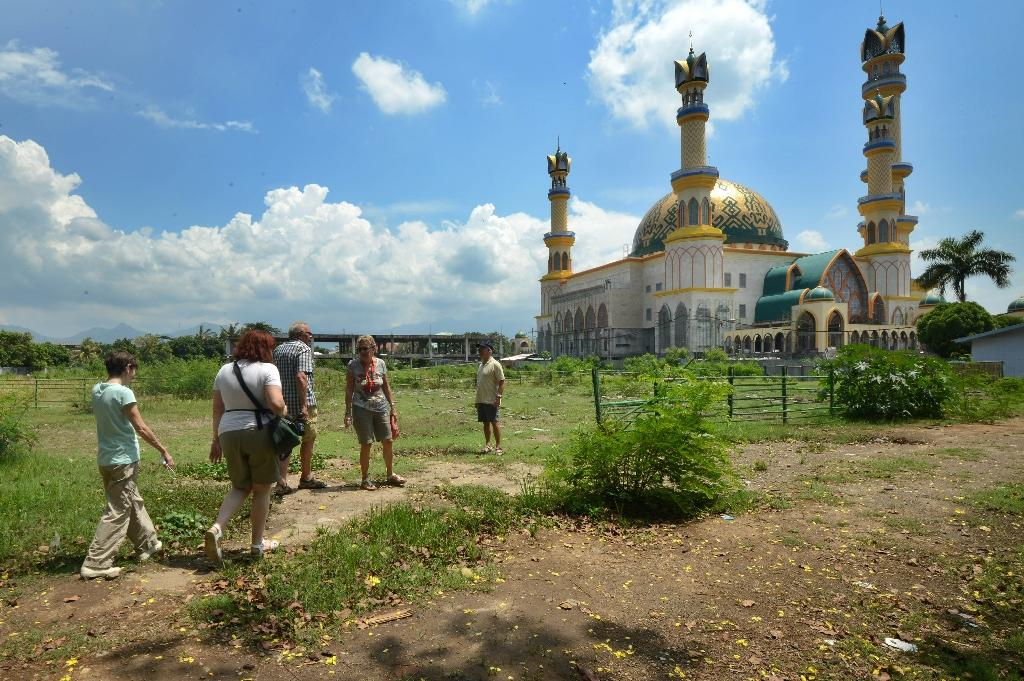 Indonesia prays Islamic tourism drive can draw more visitors