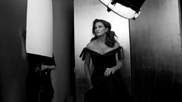 Caitlyn Jenner's Debut Blows Up Social Media