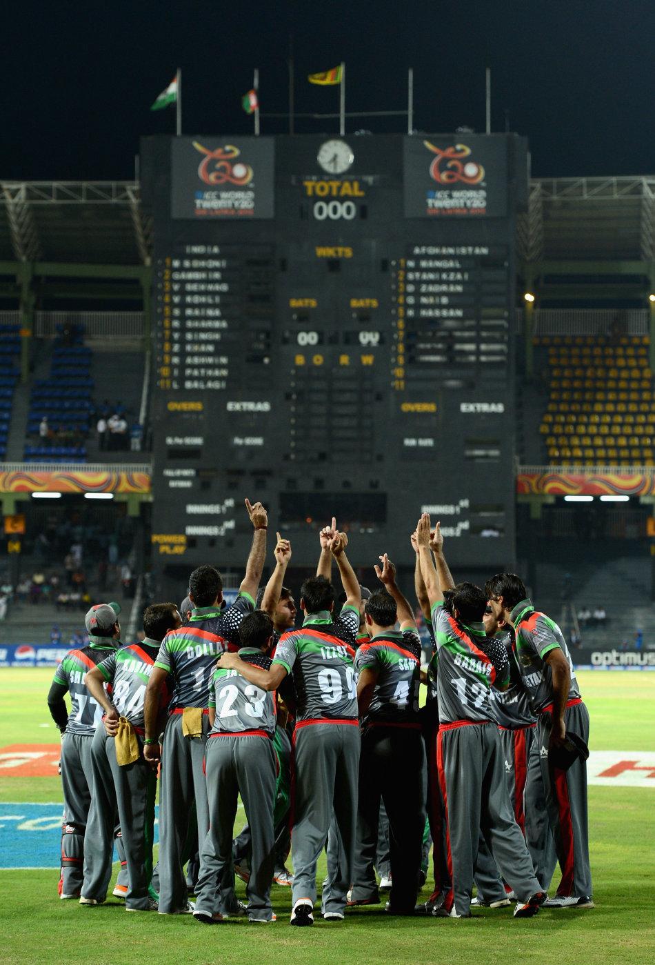 152346607 10 jpg 141816 - Top Cricket Photos of 2012