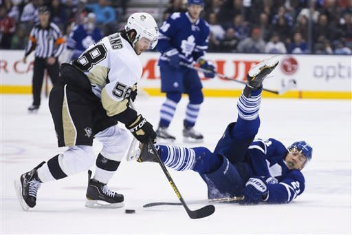Crosby, Neal lift Penguins over Maple Leafs in SO